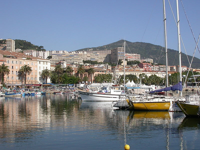 800px-Port_Ajaccio